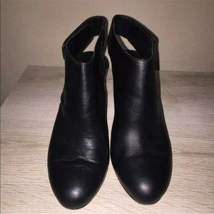 VINCE Black Slingback Bootie Boot Shoe Block Heel